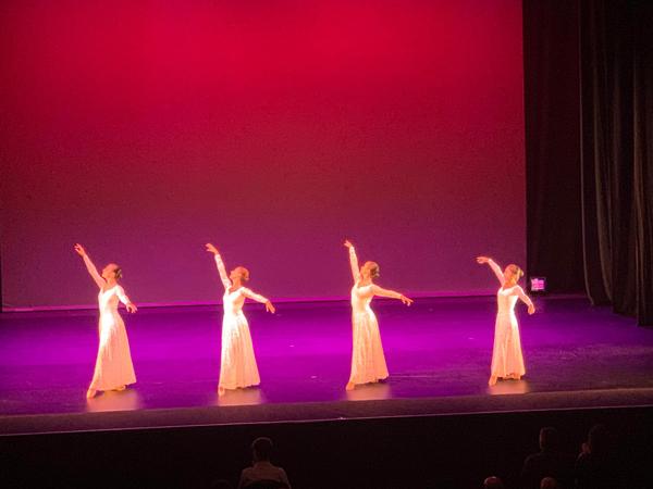 Escuela de Danza María Mora